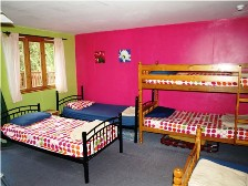 dormitory-pink-a-standlake-venue-UK